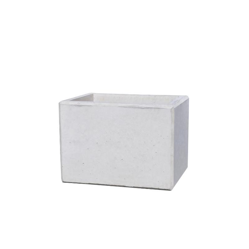 Donica prostokątna z betonu architektonicznego