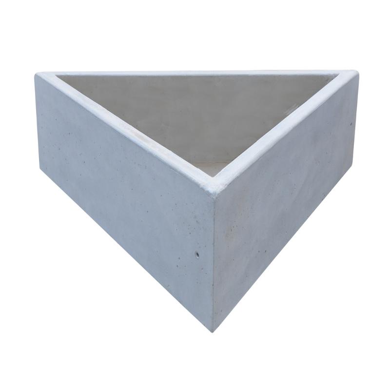 Donica trójkątna z betonu architektonicznego